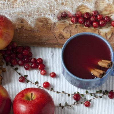 **Slow Cooker Cranberry Apple Punch
