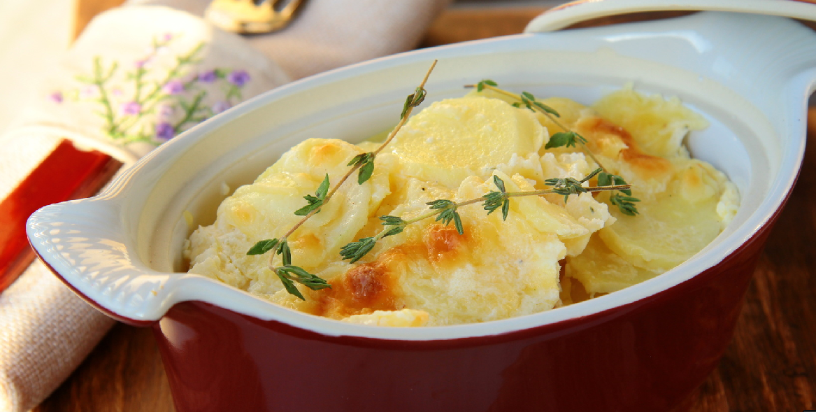 Slow Cooker Creamy Scalloped Potatoes * *