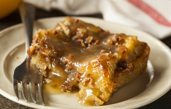 **Slow Cooker Maple Glazed Pumpkin Bread Pudding