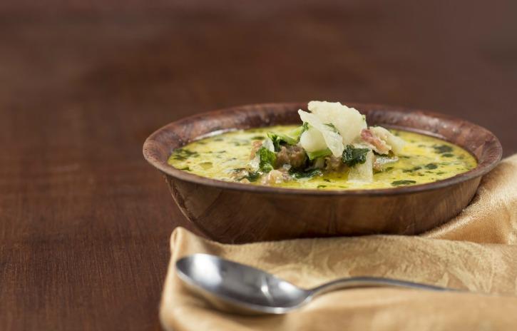 **Slow Cooker Zuppa Toscana COPYCAT