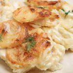 Slow Cooker Creamy Cheesy Scalloped Potatoes **