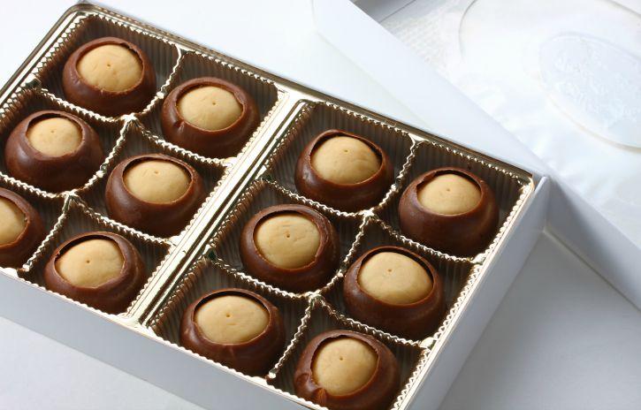 **Slow Cooker Chocolate Buckeyes