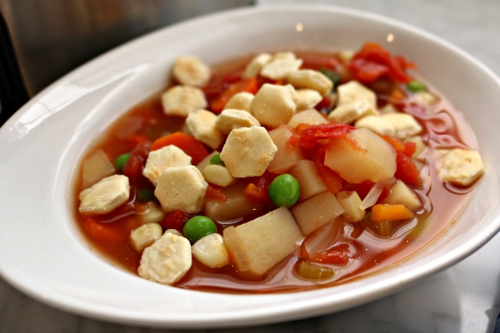Slow Cooker Yummiest Vegetable Soup