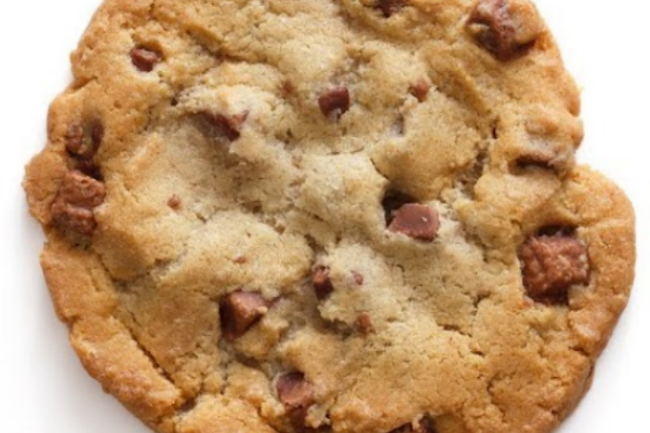 **Slow Cooker Chocolate Chip BIG Cookie
