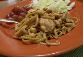 Crock Pot Chicken and Fettuccine with Peanut Sauce