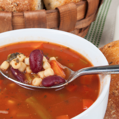 Slow Cooker Vegetarian Minestrone Soup * *