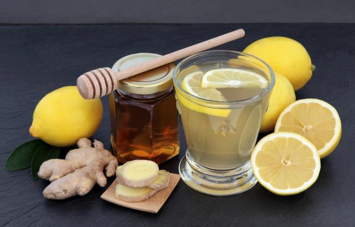 **Slow Cooker Ginger-Lemon Hot Toddies