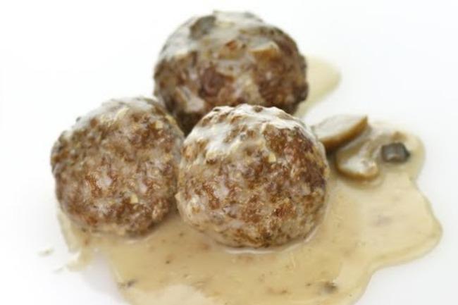 **Slow Cooker Mushroom Porcupine Meatballs