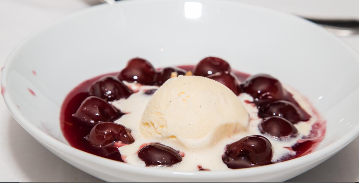 Slow Cooker Cherries Jubilee* *