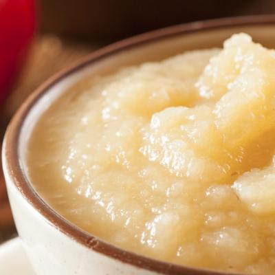 Clean Eating Slow Cooker Vanilla Applesauce * *