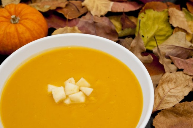 Slow Cooker Squash and Apple Bisque **