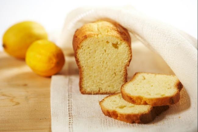 **Slow Cooker Baked Lemon Cake