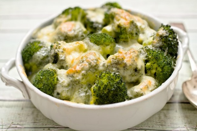 **Slow Cooker Broccoli Cheese Casserole