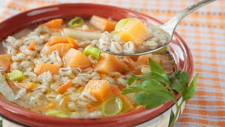 ** Slow Cooker Vegetarian Barley Soup